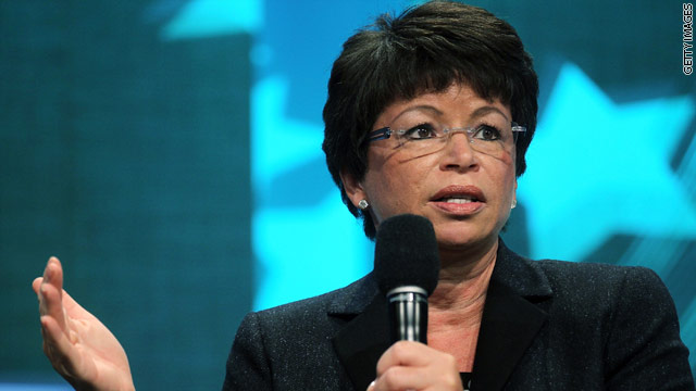 Valerie Jarrett thinks 4-star general is waiter