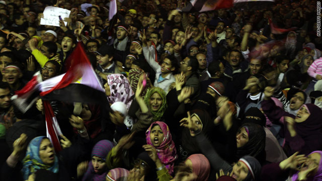 Crowd at Egypt's Tahrir Square outraged after Mubarak doesn't resign