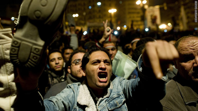 Egypt unrest: Mubarak's speech leaves nation, world wondering who's in charge