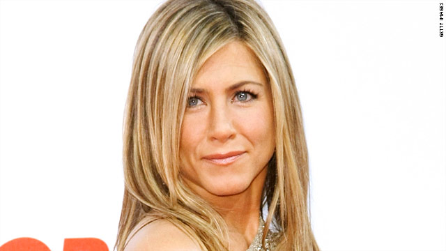 Perez Hilton: Jennifer Aniston doesn't hate Angelina Jolie