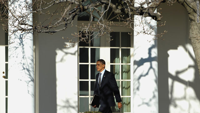 Obama reacts cautiously to Egypt developments