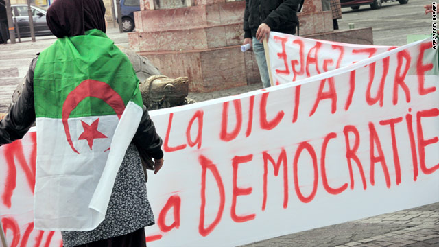 Protesters, police clash in Algerian capital