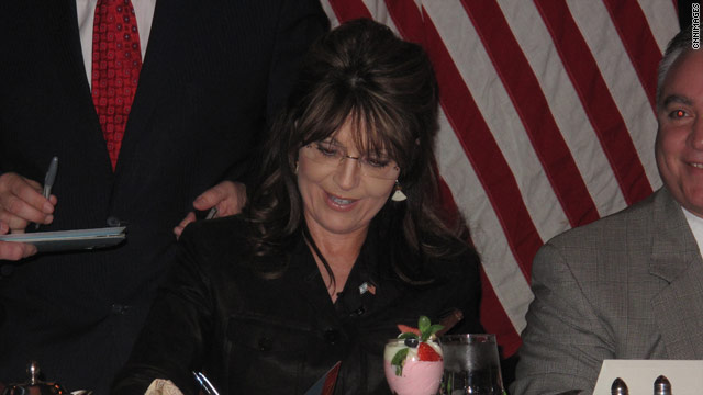 Palin talks 2012, mocks Michelle Obama