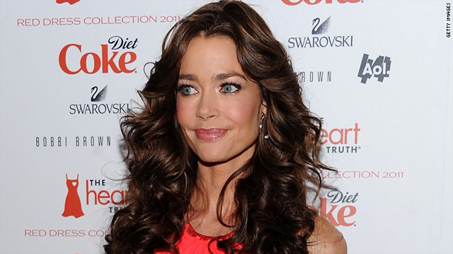 Denise Richards on Sheen: It&#039;s difficult on our daughters