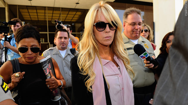 Dina Lohan: Lindsay gave advice to Charlie Sheen