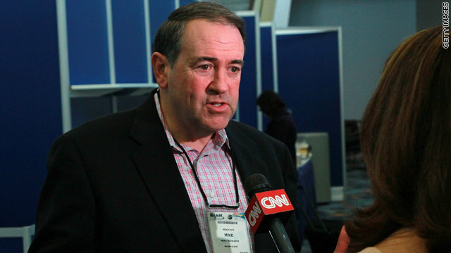 Huckabee says he can&#039;t afford to run for president early