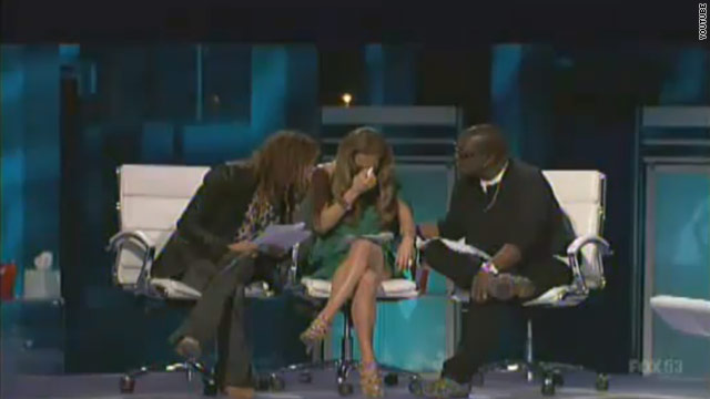Jennifer Lopez breaks down on 'Idol'