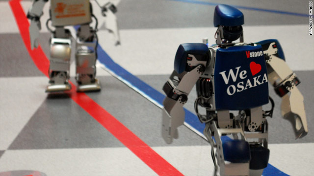 Robots race around room in full marathon