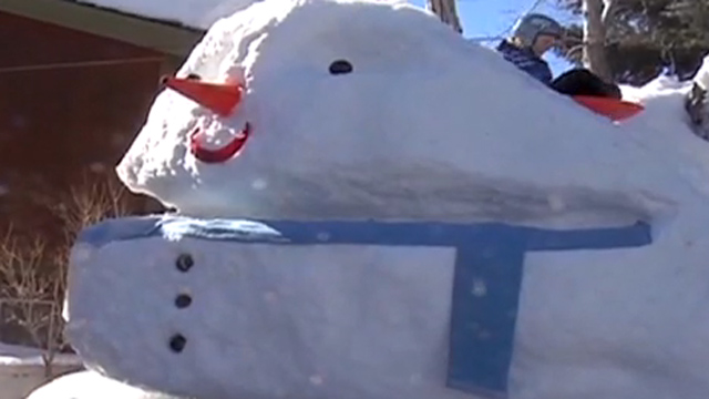 Gotta Watch: 2-story snowman; viral millions; old school CNN
