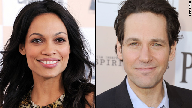 Rosario Dawson gropes Paul Rudd at Spirit Awards