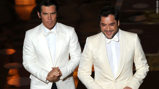 Javier Bardem and Josh Brolin: The Oscars kiss you didn't see