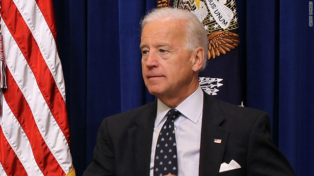 Biden's plane hits birds upon landing in California