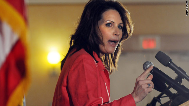 Liberal activists crash Bachmann&#039;s carefully choreographed NH rollout