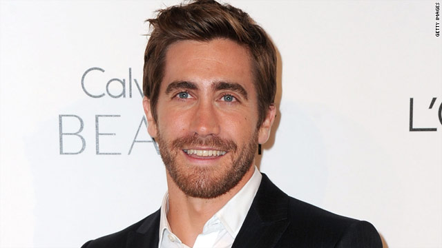 Jake Gyllenhaal: No photos in the restroom, please