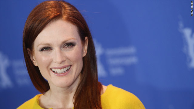 'Showbiz Tonight' Flashpoint: Julianne Moore as Sarah Palin - great casting?