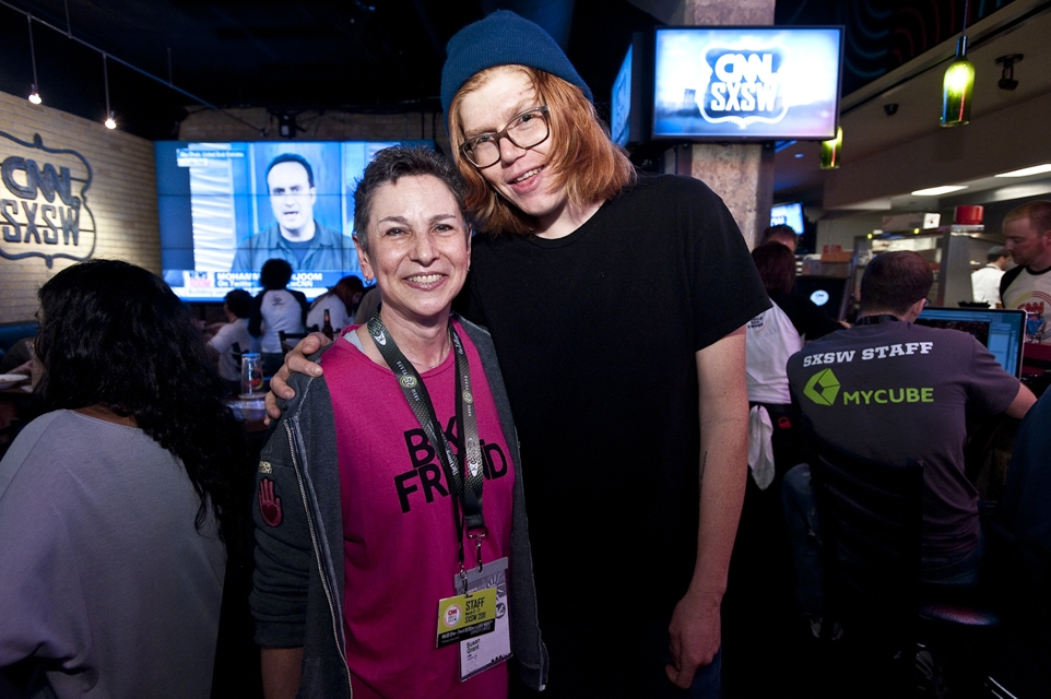 Musician Brett Dennen comes to the CNN Grill