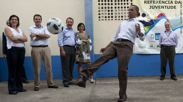 Obama scores with Brazilian youth