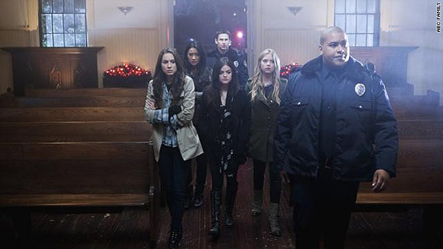 'Pretty Little Liars' finale leaves us in knots