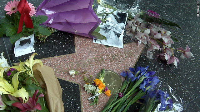 Fans honor Taylor at Walk of Fame star