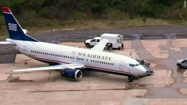 Sources: Hole in US Airways jet caused by bullet