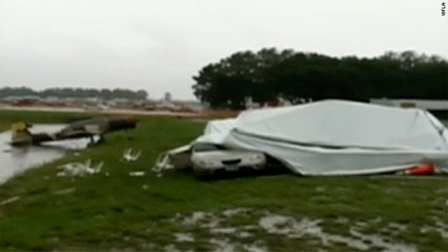 High winds collapse building at Florida aviation fair, police say