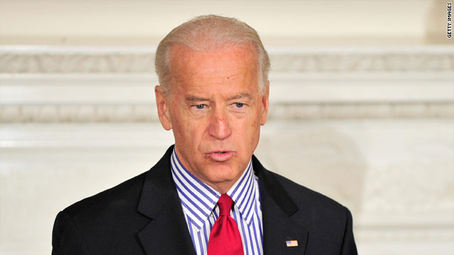 Biden in key state on day of Obama announcement