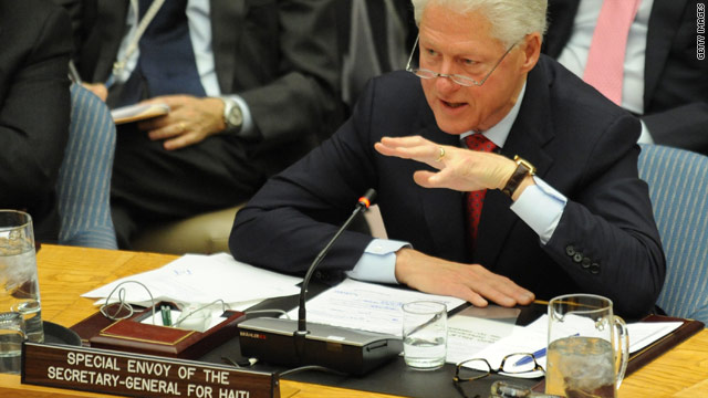 President Clinton returns to Haiti to help in ongoing recovery