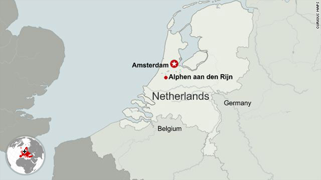 Report: 2 killed in mall shooting in Netherlands