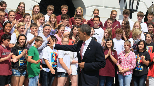 Obama meets students he mentioned in budget deal speech