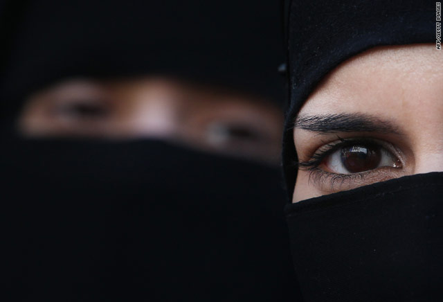 Frances Islamic veil ban spurs passionate reaction worldwide Muslim Headscarves In France