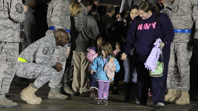 U.S. government allowing families to return to Japan