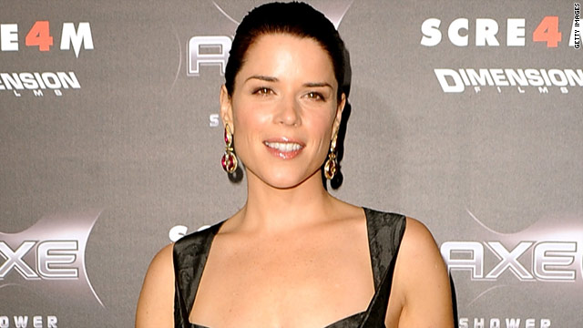 Neve Campbell&#039;s a &#039;pussycat&#039; when it comes to scary movies