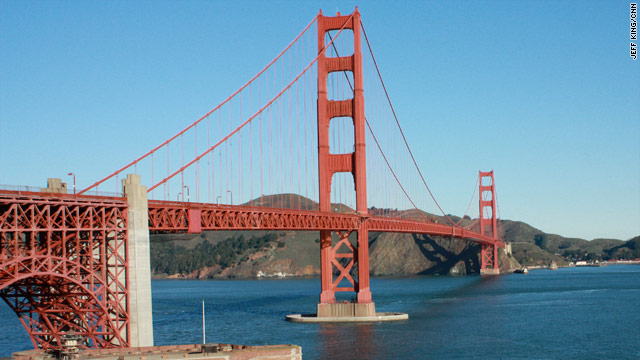 Teenage girl survives plunge from Golden Gate Bridge