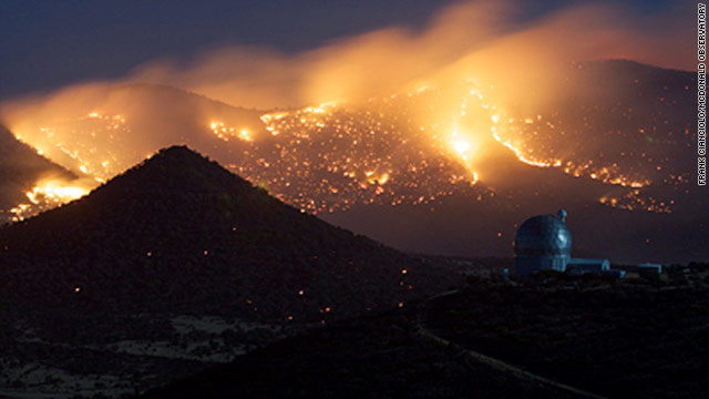 Crews protect Texas observatory with fire of their own