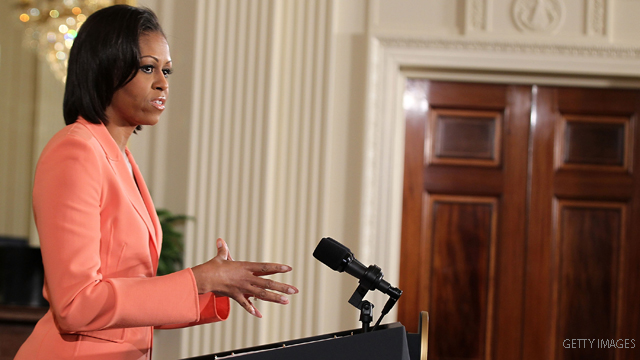 Michelle Obama's plane aborted landing when cargo plane got too close