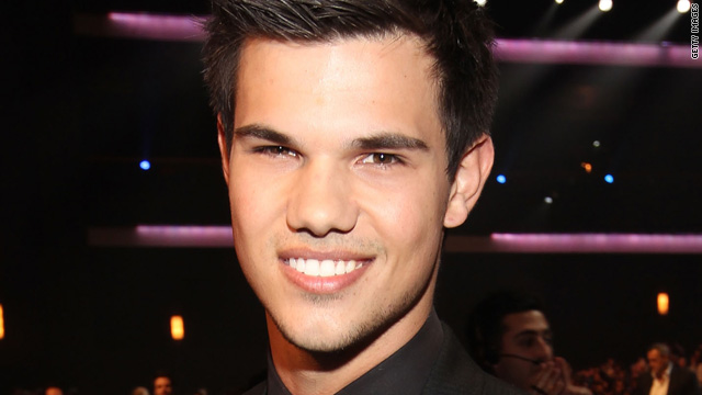 Taylor Lautner on his two Snow Whites
