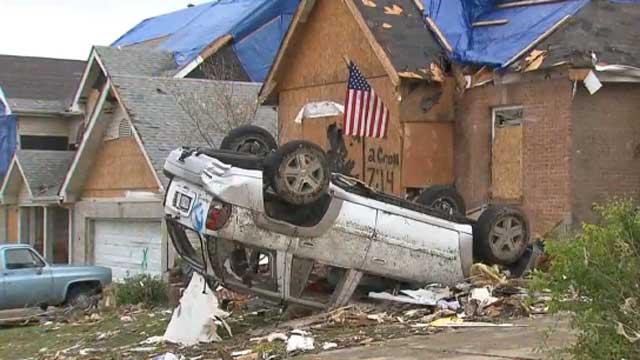 Gotta Watch: Tornado rips through St. Louis