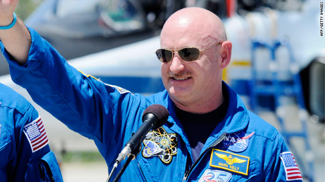 Endeavour commander: Giffords 'more than medically ready' to see launch