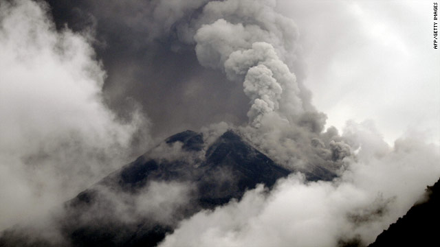 Residents evacuated near Ecuador's Tungurahua Volcano