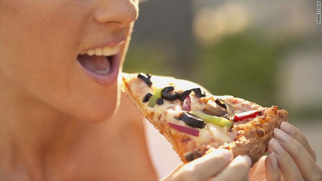 What the Yuck: Does blotting pizza save calories?