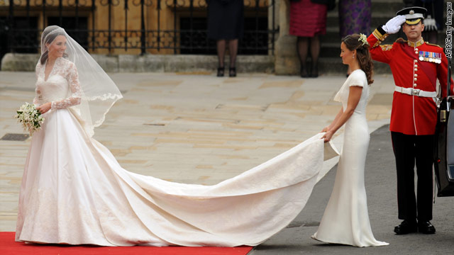 prince william apartments kate middleton pippa middleton. Kate Middleton arrives with