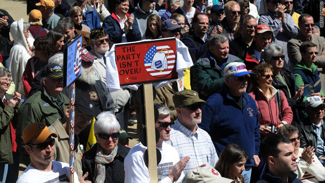 Poll: Tea Party support continues to hurt