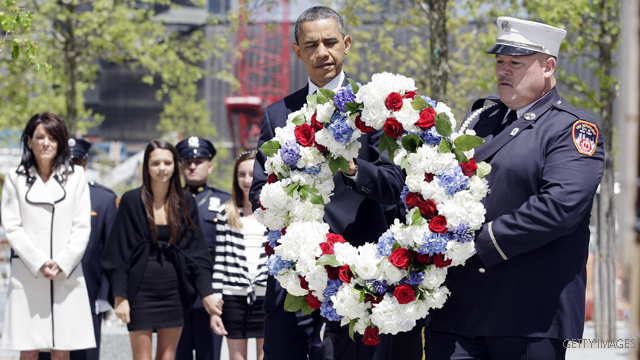 Obama visits ground zero; honors 9/11 victims