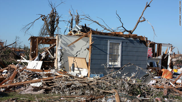 Tuscaloosa mayor: Eyes back on tornado catastrophe
