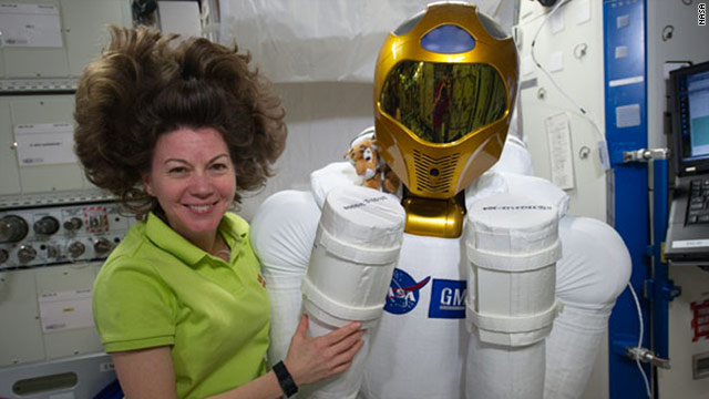 Astronaut's Mother's Day message from space: 'Distance doesn't change' love