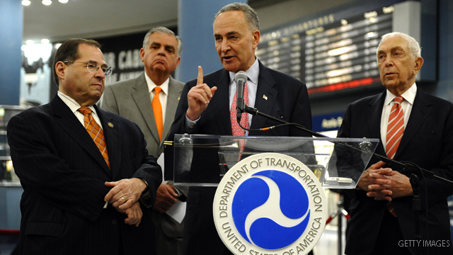 Schumer proposes 'no-ride' list for Amtrak