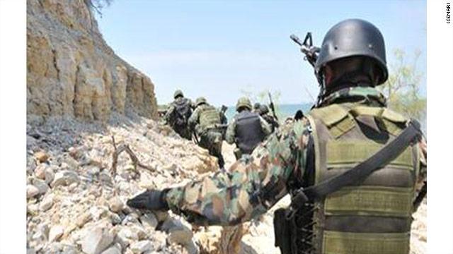 Doce presuntos zetas mueren en un tiroteo con la marina de México