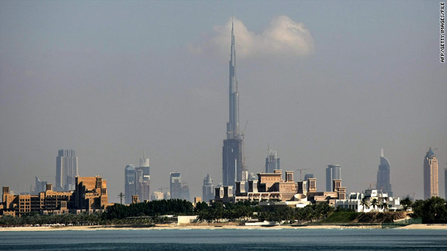 Man dies in jump from world's tallest building