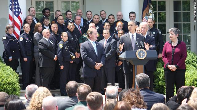 Obama honors law enforcement heroes