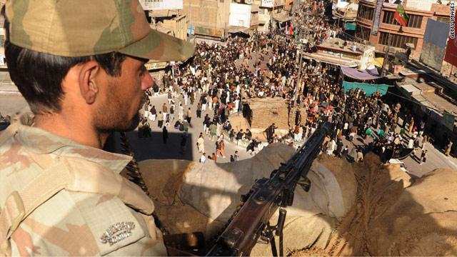 OPINIÓN: Apoyemos al pueblo de Pakistán, no al ejército